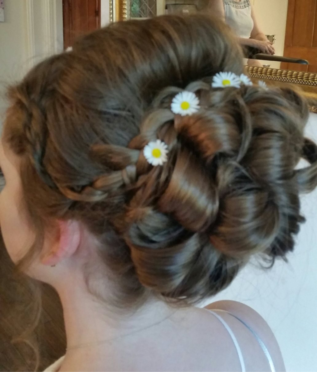 Wedding hairdresser/mobile makeup artist bridal services for London Surrey and Home Counties