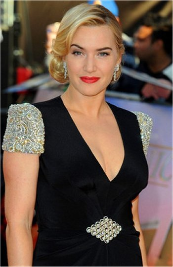 Kate Winslet at the Awards with a stunning wavy natural hairstyle