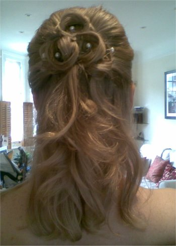 Wedding hairstyle for hair down