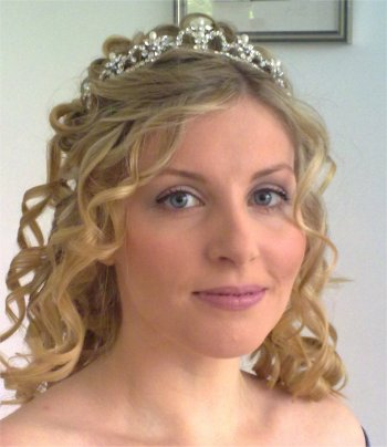 Curly wedding hair and makeup down style